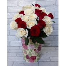 25 роз Россия Бело-красных